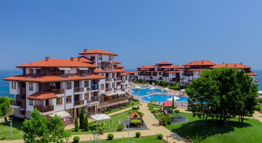 Saint thomas residences расположен в 10 километрах от города созополь; на острове сент томас